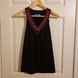 2/$25 Smart Set Sleeveless V-neck with Embroidered Neckline Size Small
